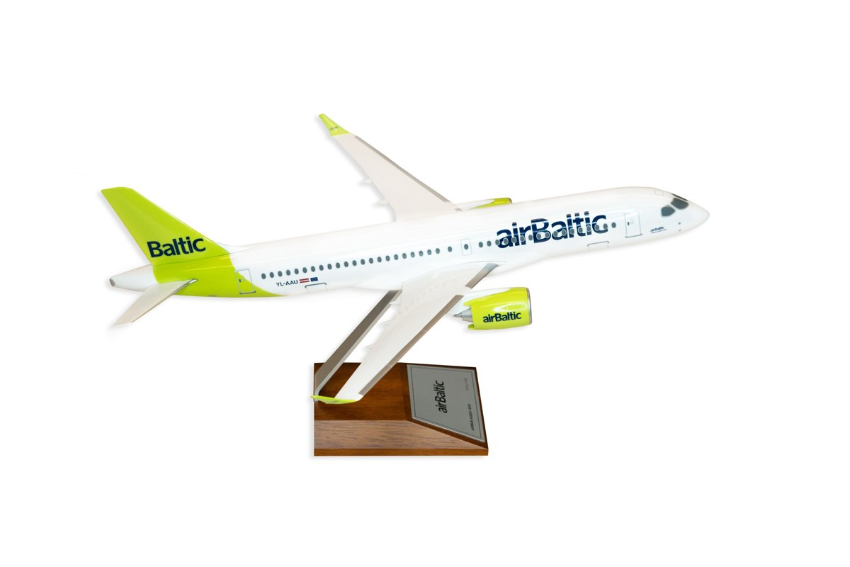 Airbus A220-300 model
