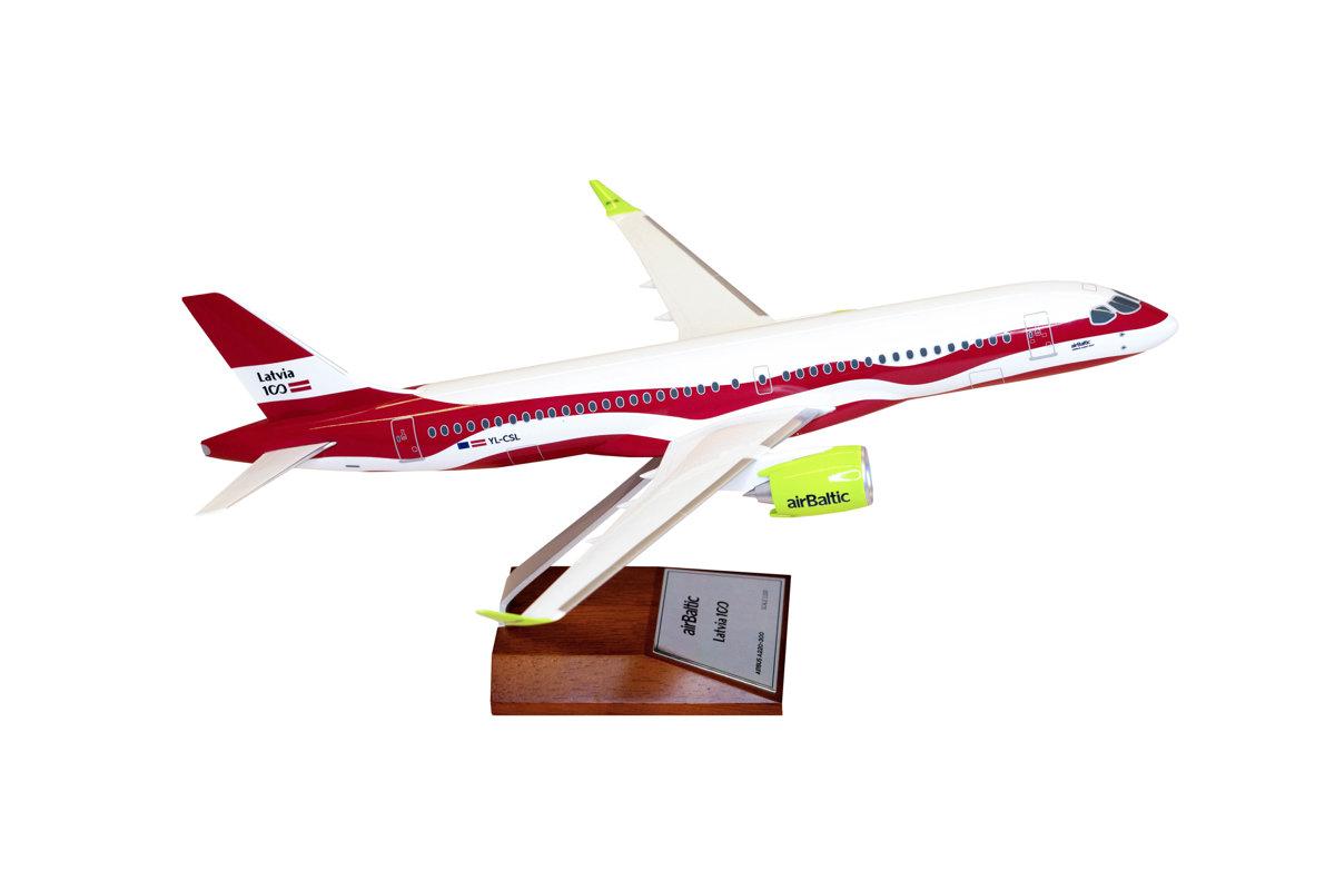 Lidmodelis ar Latvijas krāsojumu Airbus A220-300